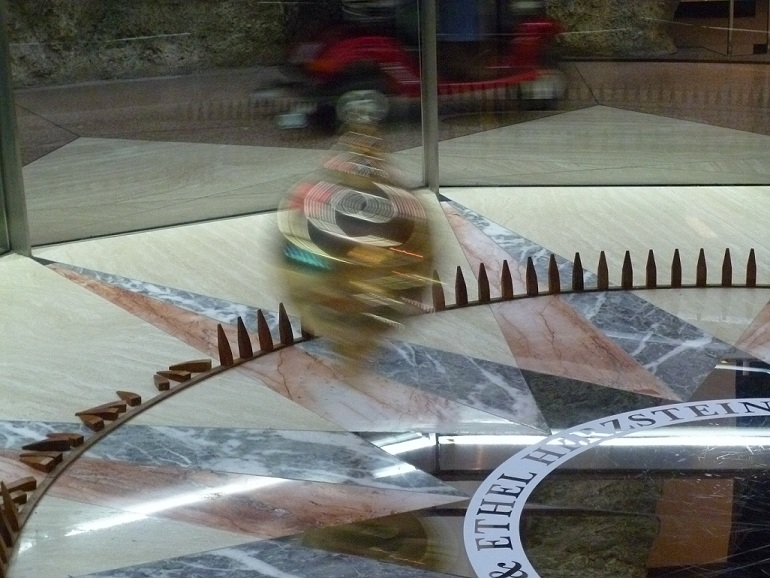 Foucault pendulum at the Houston Museum of Natural Science