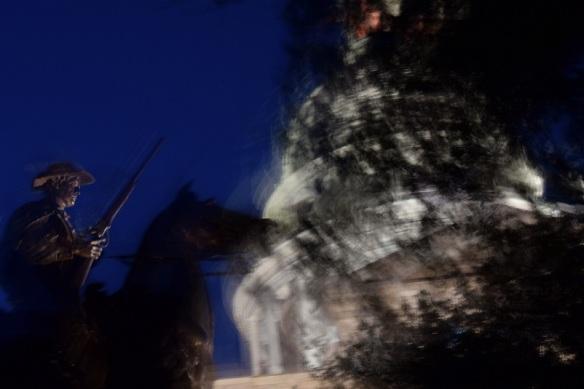 Photo of statue with shaky camera
