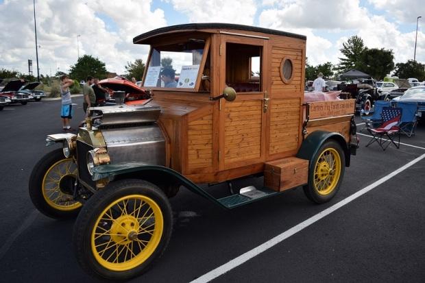 A Model T pick up