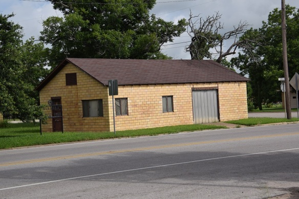 Brick garage in Giddings, Texas