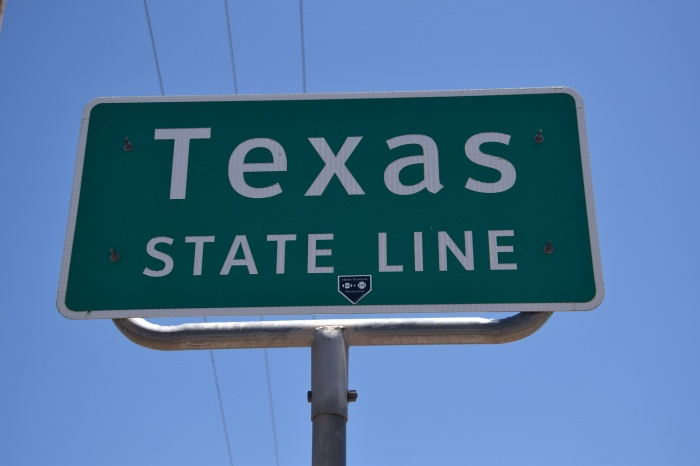 Texas State Line sign in Farwell, Texas