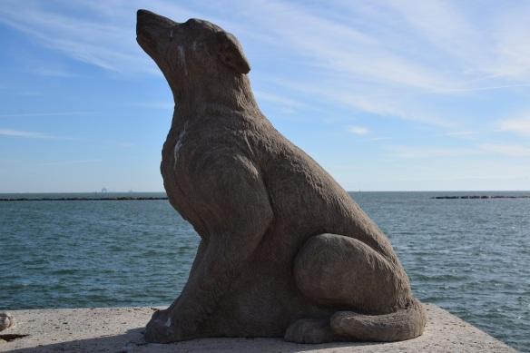 Dog statue near Corpus Christi Bay
