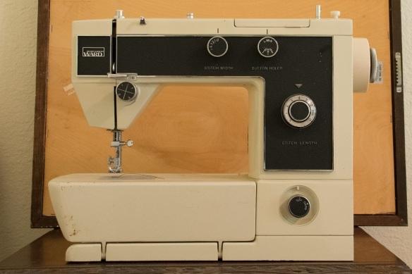 Montgomery Ward sewing machine (23)