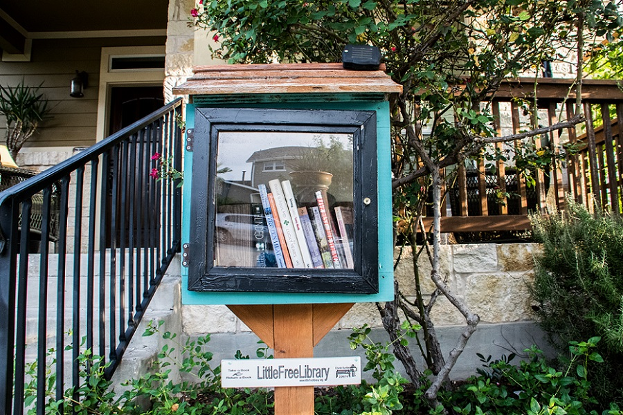 Little Lending Libraries (1)