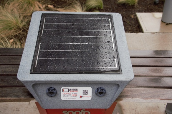 00s Solar Charging Station (1)
