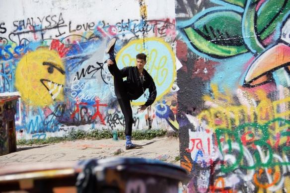 00s Graffiti Park Poses (2)