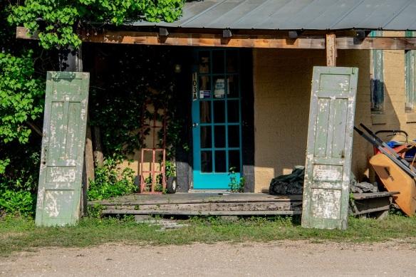 Doors no hinges (1)