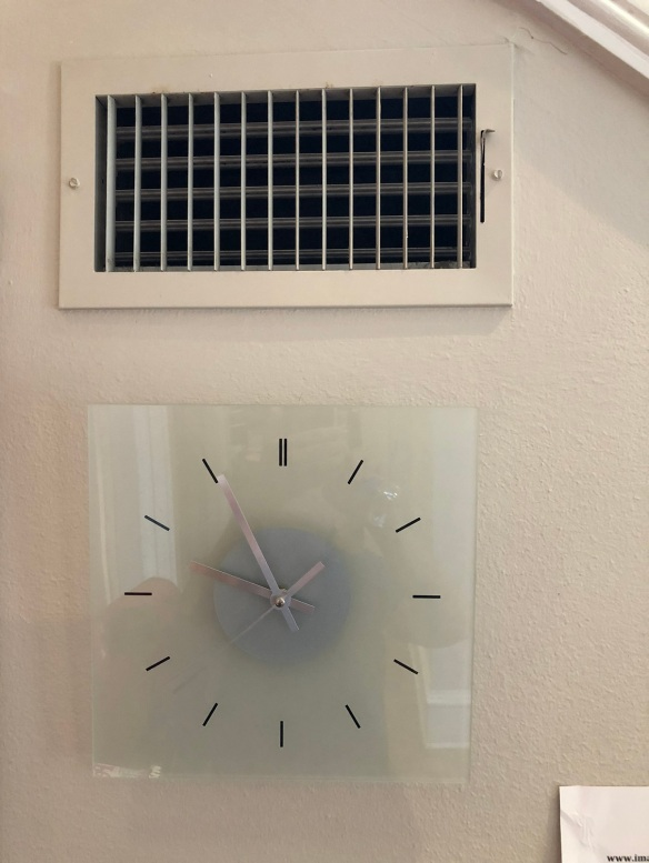 00s Clock and vent