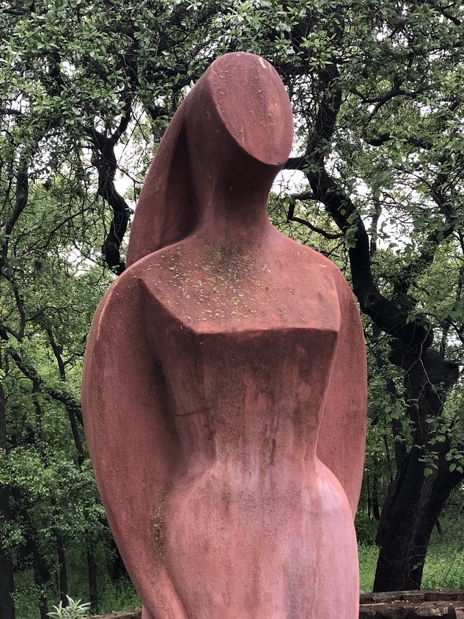 00s Zilker Botanical Garden Statue