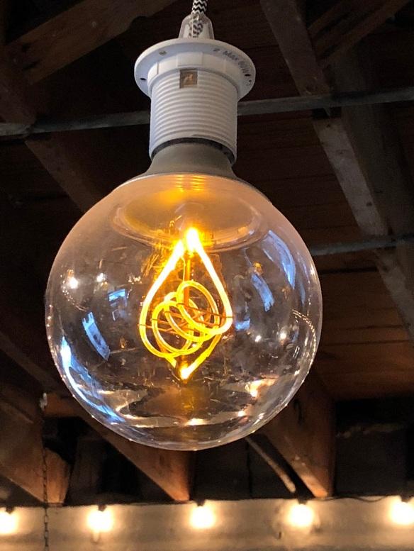 00s Light Bulb